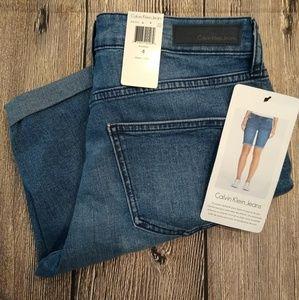 Calvin Klein Jeans City Shorts cuffed size 4 NWT